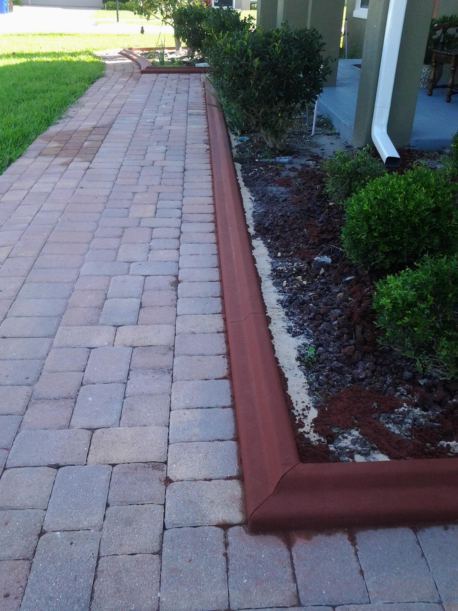 Pavers curb appeal for Edging to keep mulch off sidewalk